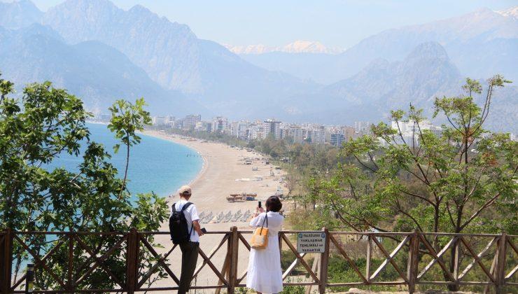 Antalya'da kısıtlama sessizliği