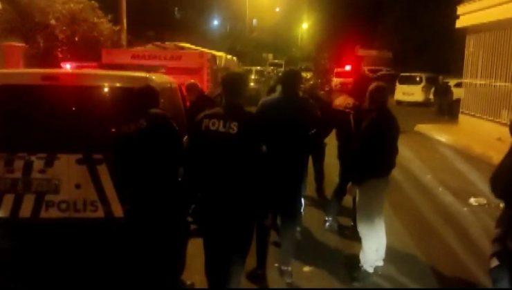 Antalya'da 'pencereden baktı' kavgası: 3 yaralı
