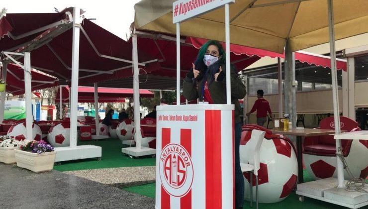 Antalyaspor bayrakları 9 noktada satışta