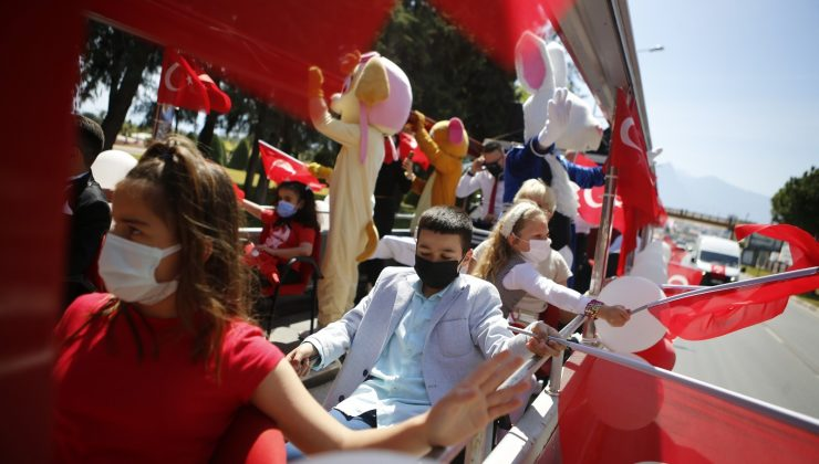 Büyükşehir'den mobil kortej ve konserli 23 Nisan coşkusu