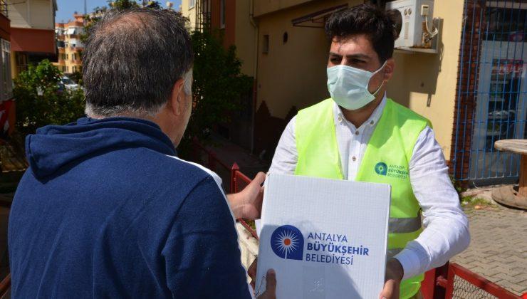 Gıda paketleri Alanya'da ihtiyaç sahipleri ile buluştu