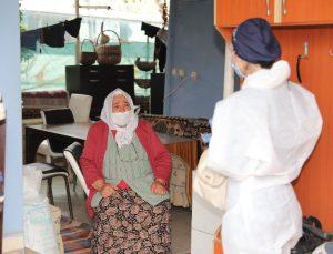 Kronik rahatsızlığı olan vatandaşlara evde sağlık hizmeti veriliyor