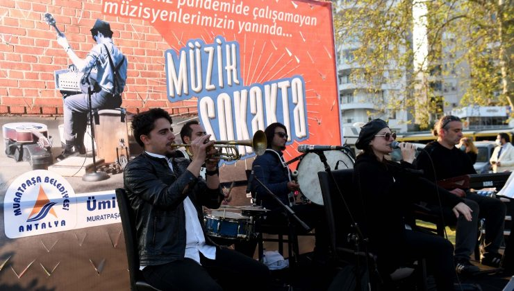 Muratpaşa müziği sokağa taşıyor