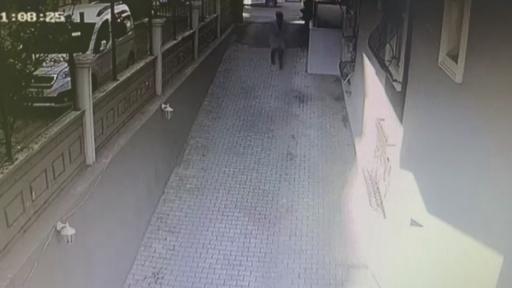 Otoparkta gözüne kestirdiği bisikleti böyle çaldı