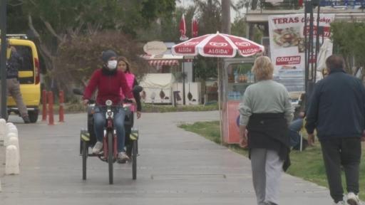 Pandemide mahallelinin hediye ettiği bisiklet ekmek kapısı oldu