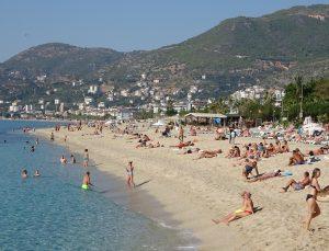 Rusya'nın uçuş kısıtlaması Antalya'da turizmi durma noktasına getirdi