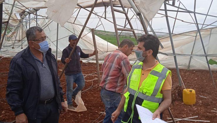 Serası zarar gören çiftçiye destek