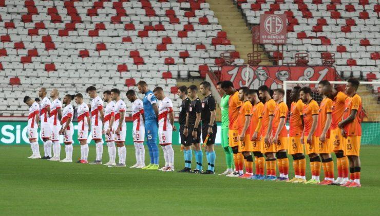 Süper Lig: Antalyaspor: 0 – Galatasaray: 0 (Maç devam ediyor)