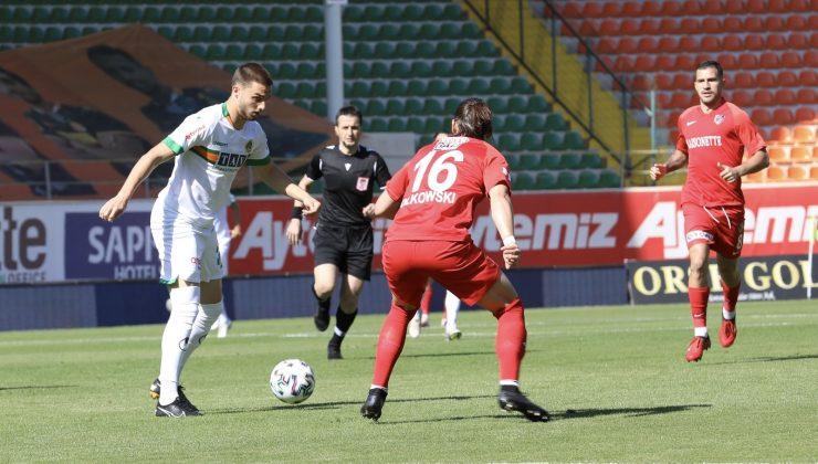 Süper Lig: Aytemiz Alanyaspor: 2 – Gaziantep FK: 2 (İlk yarı)
