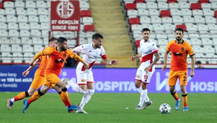 Süper Lig: FT Antalyaspor:0 – Galatasaray: 0 (İlk yarı)