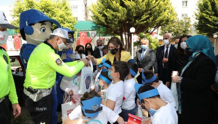 Vali Yazıcı ve Emniyet Müdürü Ulucan'ın eşleri  öğrencilerle buluştu
