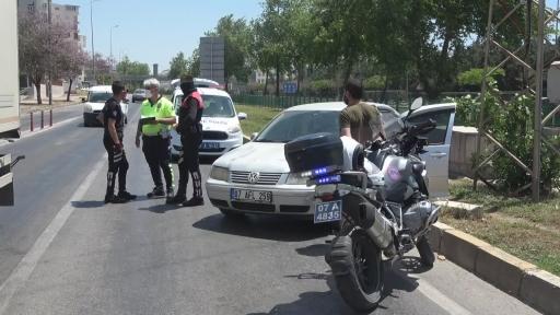 368 promil alkollü sürücünün aracı refüje çıktı, 'Hatalı ben değilim' dedi