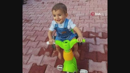 Acılı babanın en ağır yükü…  2 yaşındaki çocuk su dolu kovaya düşerek boğuldu