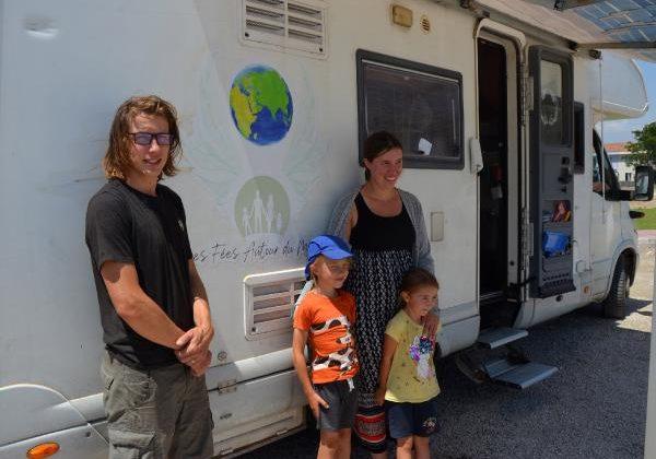 Ailesiyle birlikte karavanla tatile gelen Fransız: Türkiye bir cennet