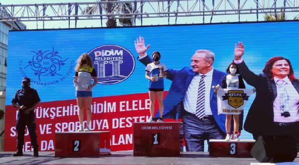 Alanya Belediyesi Triatlon Takımı'ndan 4 derece
