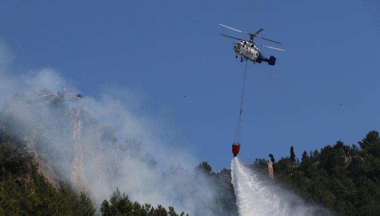 Alanya Kalesi'nin bulunduğu yarımadadaki ormanlık alanda yangın