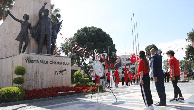 Alanya'da 19 Mayıs töreni korona gölgesinde yapıldı