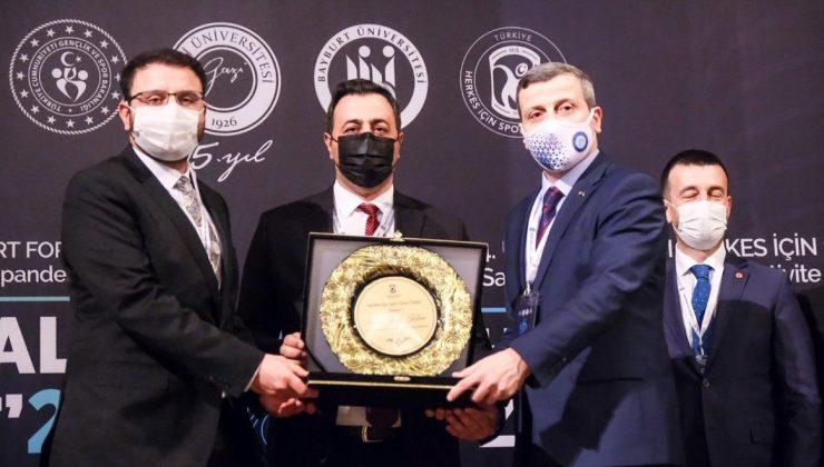 """ALKÜ'ye """"Herkes İçin Spor Onur"""" ödülü"""