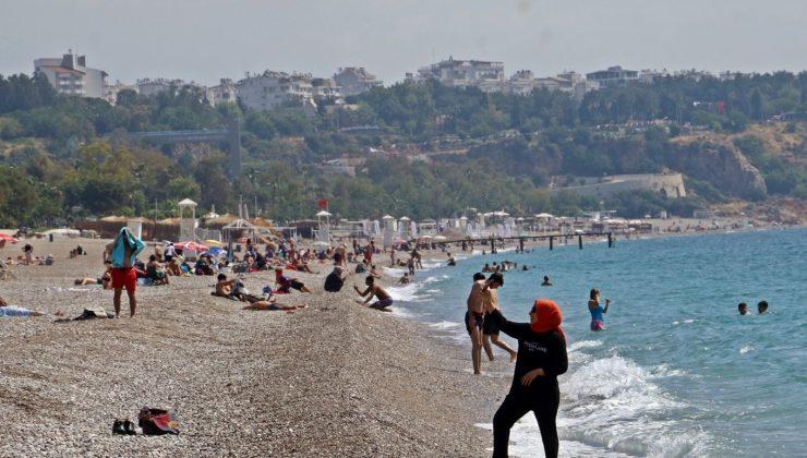 Antalya vaka sayısında kırmızı bölgeden uzaklaştı