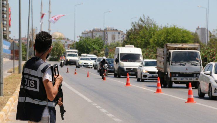 Antalya'da bayram öncesi polisten sıkı kontrol