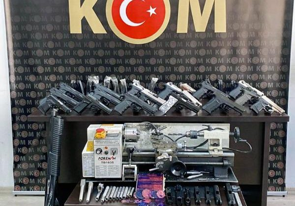 Antalya'da, 'Sahil Rüzgarı' operasyonuna 28 gözaltı