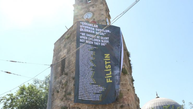 Antalya'nın simgelerinde Filistin mesajı