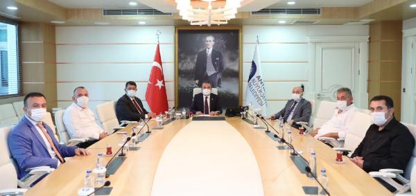 Başkan Böcek AESOB temsilcileri ile görüştü