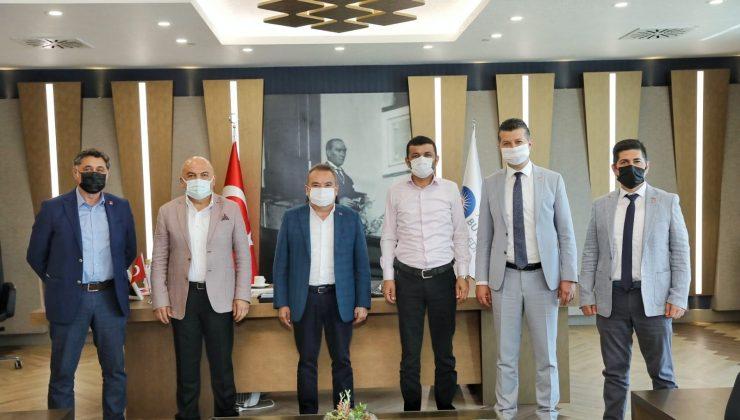 Başkan Böcek CHP'nin il başkanlarını ağırladı