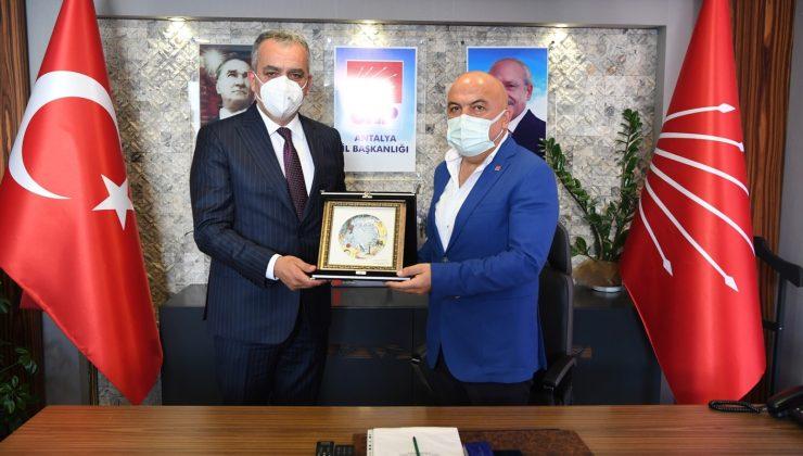 Başkan Esen İl Başkan'ı Cengiz'le bir araya geldi