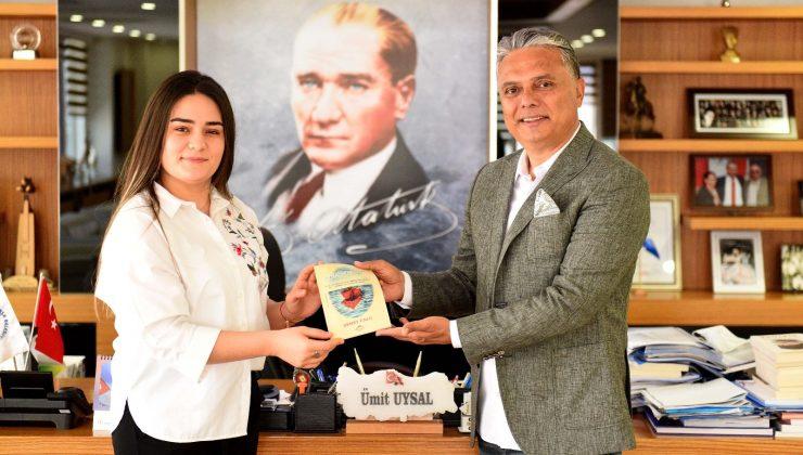 """Başkan Uysal, """"Yüzbaşı Mustafa Ertuğrul'u herkese anlatacağız"""""""
