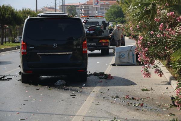 Bisikletiyle yolun karşısına geçmeye çalışan İsveçli, minibüsün çarpmasıyla öldü