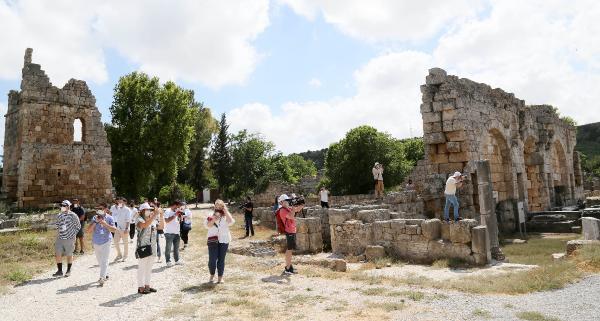 Büyükelçiler Antalya'da; 'Güvenli turizm daha da güvenli' mesajı