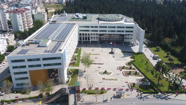 Büyükşehir Belediyesi çatısında elektrik üretimine hazır