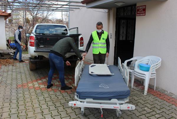 Büyükşehir hasta yatağı desteğini sürdürüyor