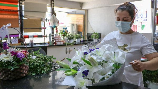 Çiçekçilerde Anneler Günü hareketliliği