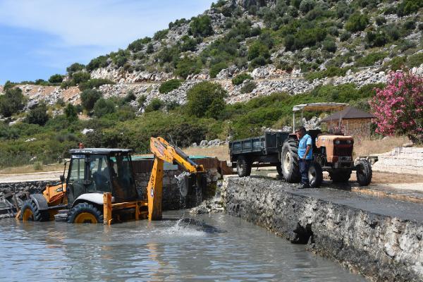 Demre'deki şifalı sular temizleniyor