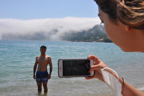 Denizdeki sis, turistleri şaşırttı
