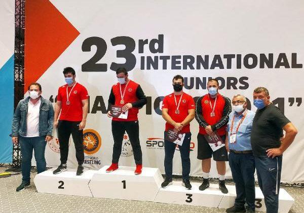 Güreşçi Efe'den uluslararası başarı