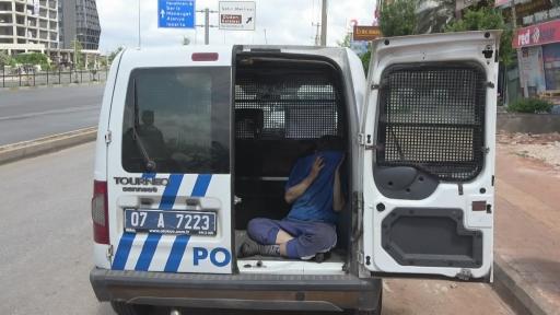 – İnşaattan hırsızlık yaptığı ileri sürülen şüpheliler kovalamaca sonucu yakalandı