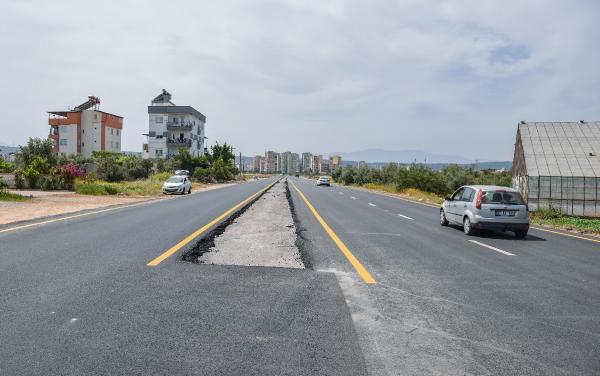 Kepez Turgut Reis Caddesi yeniden asfaltlandı