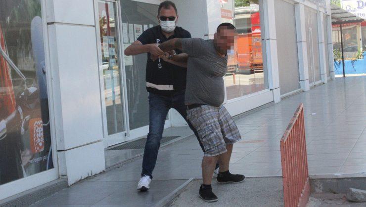 """Kısıtlamayı ihlal etti, """"Savcı akrabam var"""" diyerek polisin üzerine yürüdü"""