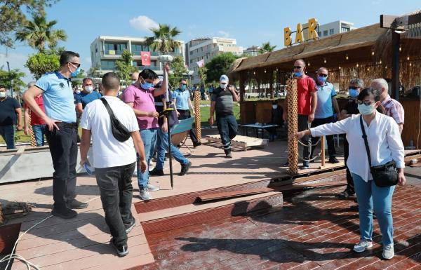 Konyaaltı Sahili'nde işletmeler 'uygunsuz kullanım' hakkında uyarıldı