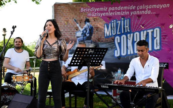 Muratpaşa'dan müzisyenlere destek