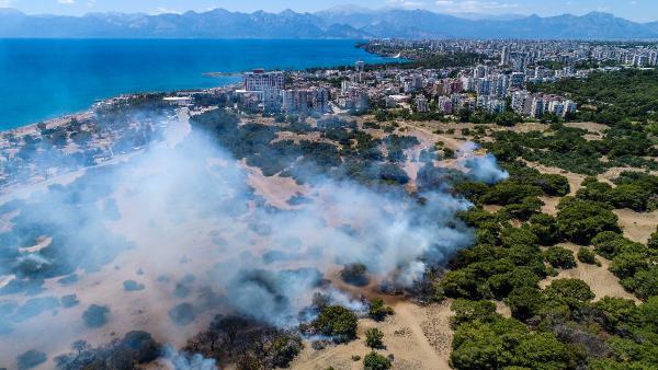 Nitelikli doğal koruma alanı Lara ormanında çıkan yangın söndürüldü (2)- Yeniden