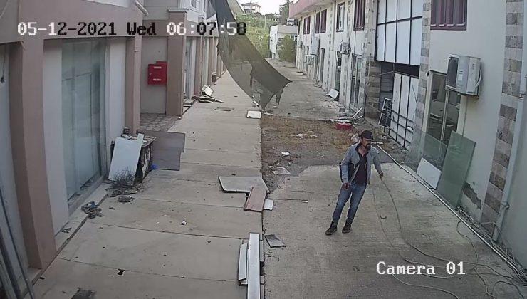 (Özel) Kablolara dadanan hırsız pusuya yatan esnaf sayesinde yakalandı