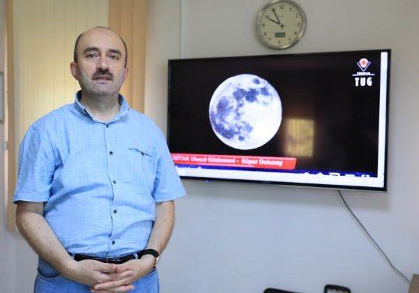 Prof. Dr. Özdemir: 'Kanlı Ay' ve 'Süper Ay' yanlış anlaşılıyor