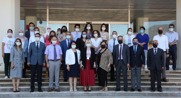 Rektör Özkan, batı ilçelerinde okulları denetledi