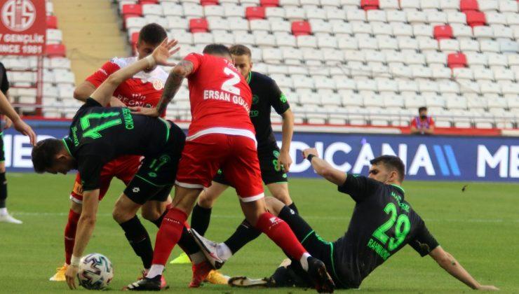 Süper Lig: FT Antalyaspor: 0 – İH Konyaspor: 0 (İlk yarı)