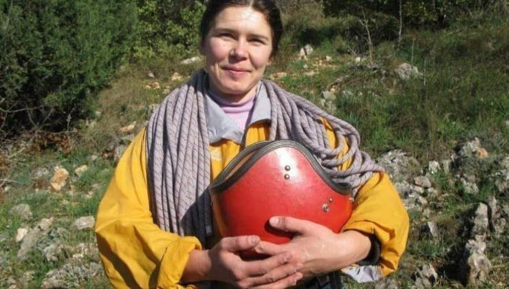 Ukraynalı kayıp kadın dağcı havadan karadan taranıyor