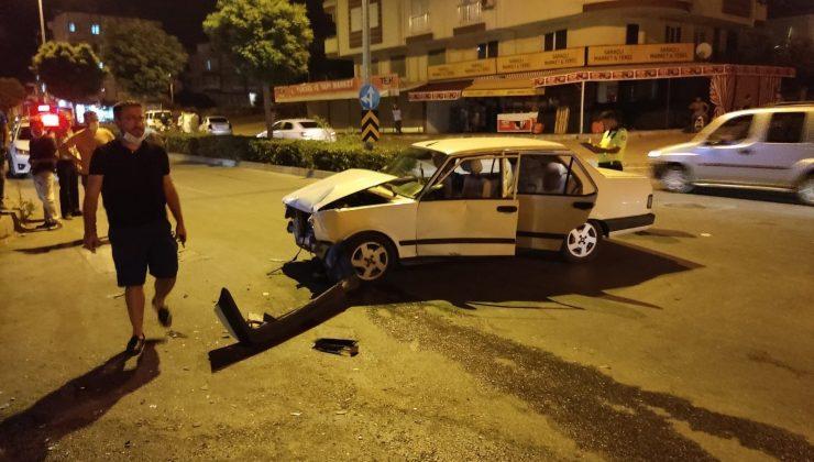 3 kişinin yaralandığı kazada sürücü aracı bırakıp kaçtı